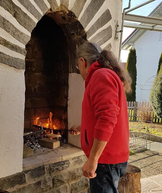 am offenen Kamin können wir Grillen und neue Pläne schmieden. Foto ist © Silke Laib