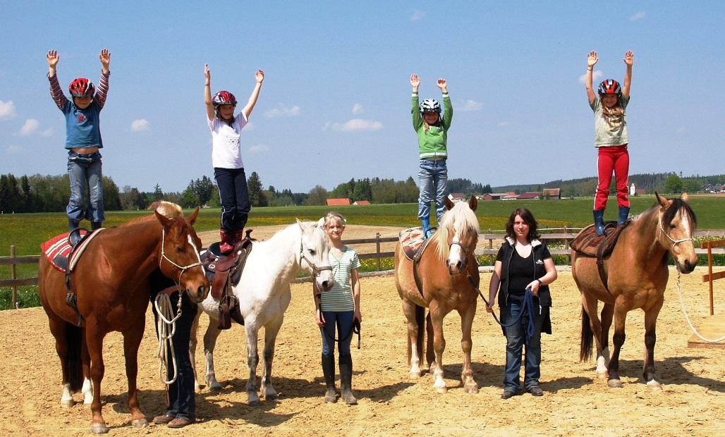 verlässliche Pferde ermöglichen Kindern unvergessliche Ferienerlebnisse. Foto ist © Manfred Laib